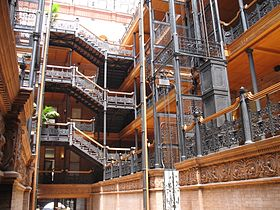 Bradbury_Building,_interior,_ironwork